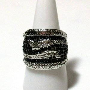 Ring Size 8.5 Simulated Onyx Swirl Art Deco 562